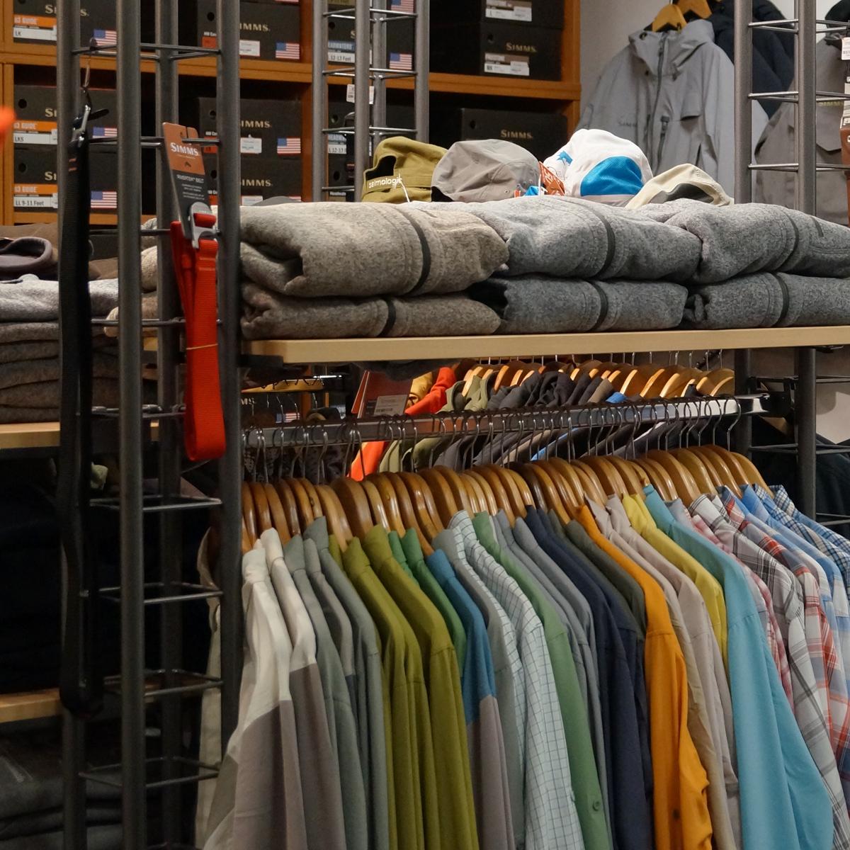 SIMMS Bekleidung in allen Größen und Farben