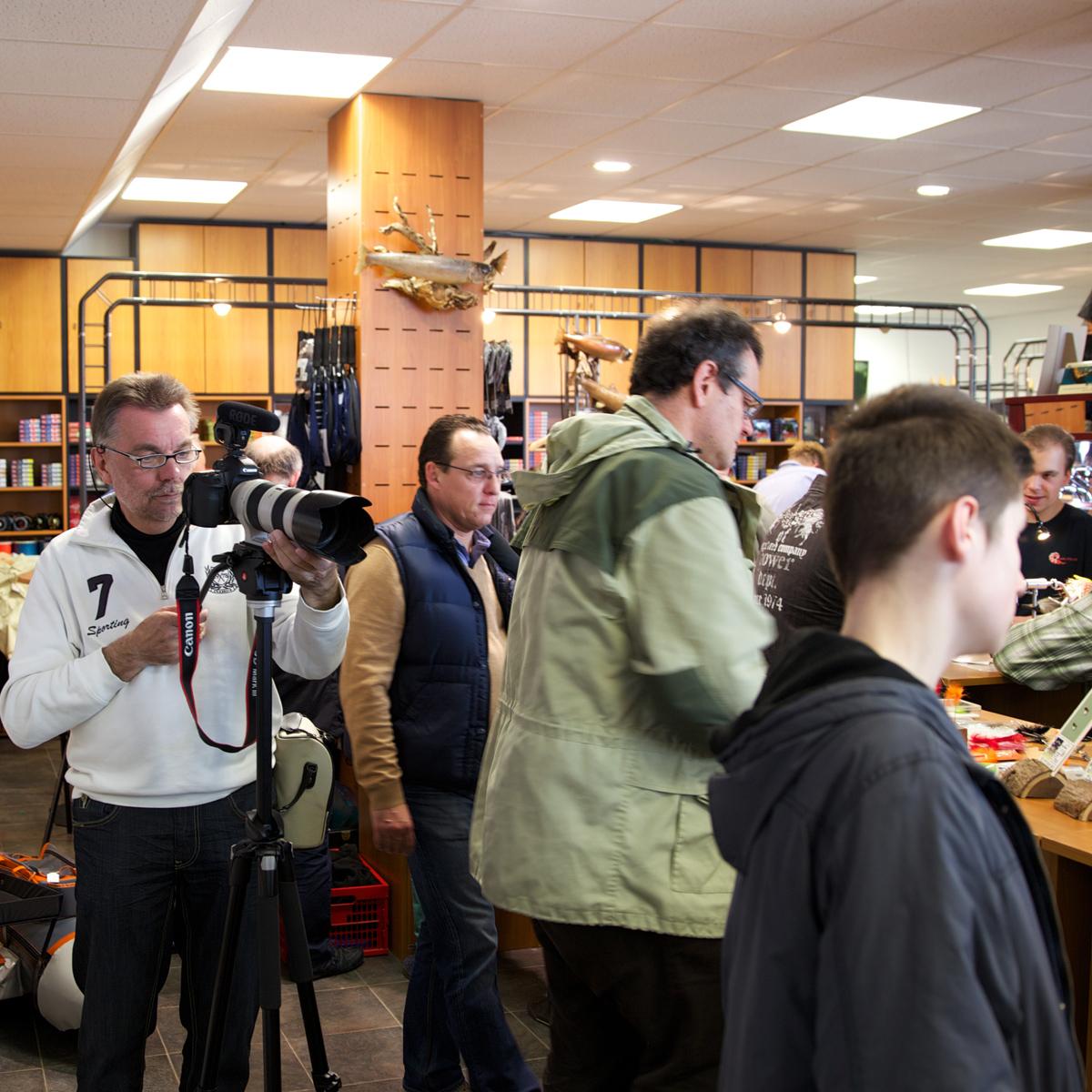 Bodo Kürbs filmt Hausmesse bei Flyfishing Europe