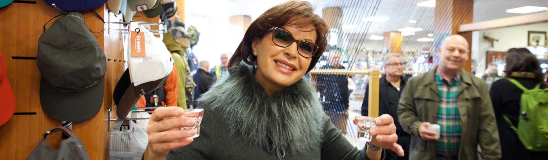 Mirjana Pavlic auf Hausmesse von Flyfishing Europe