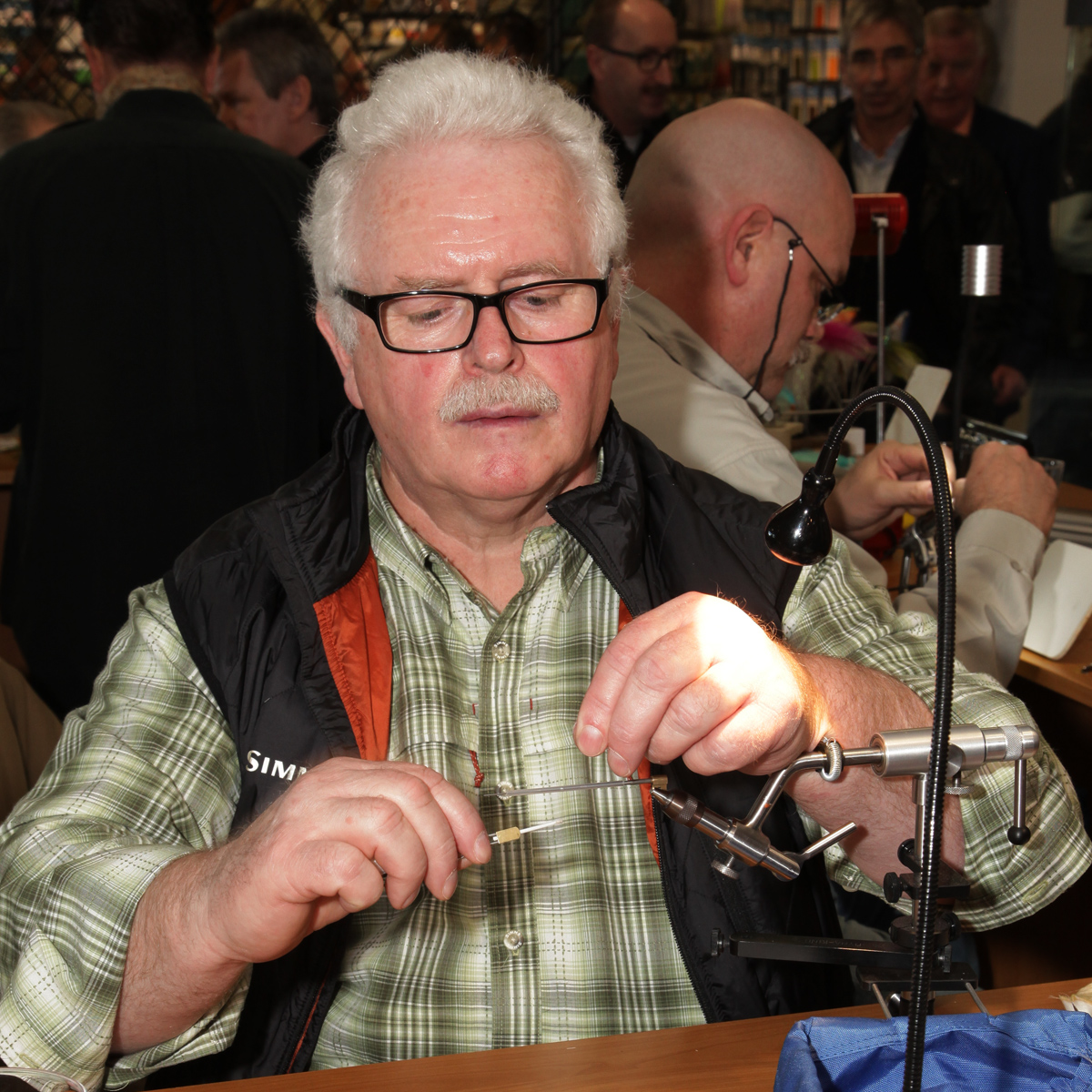 Fliegenbinder Wolfgang Wache