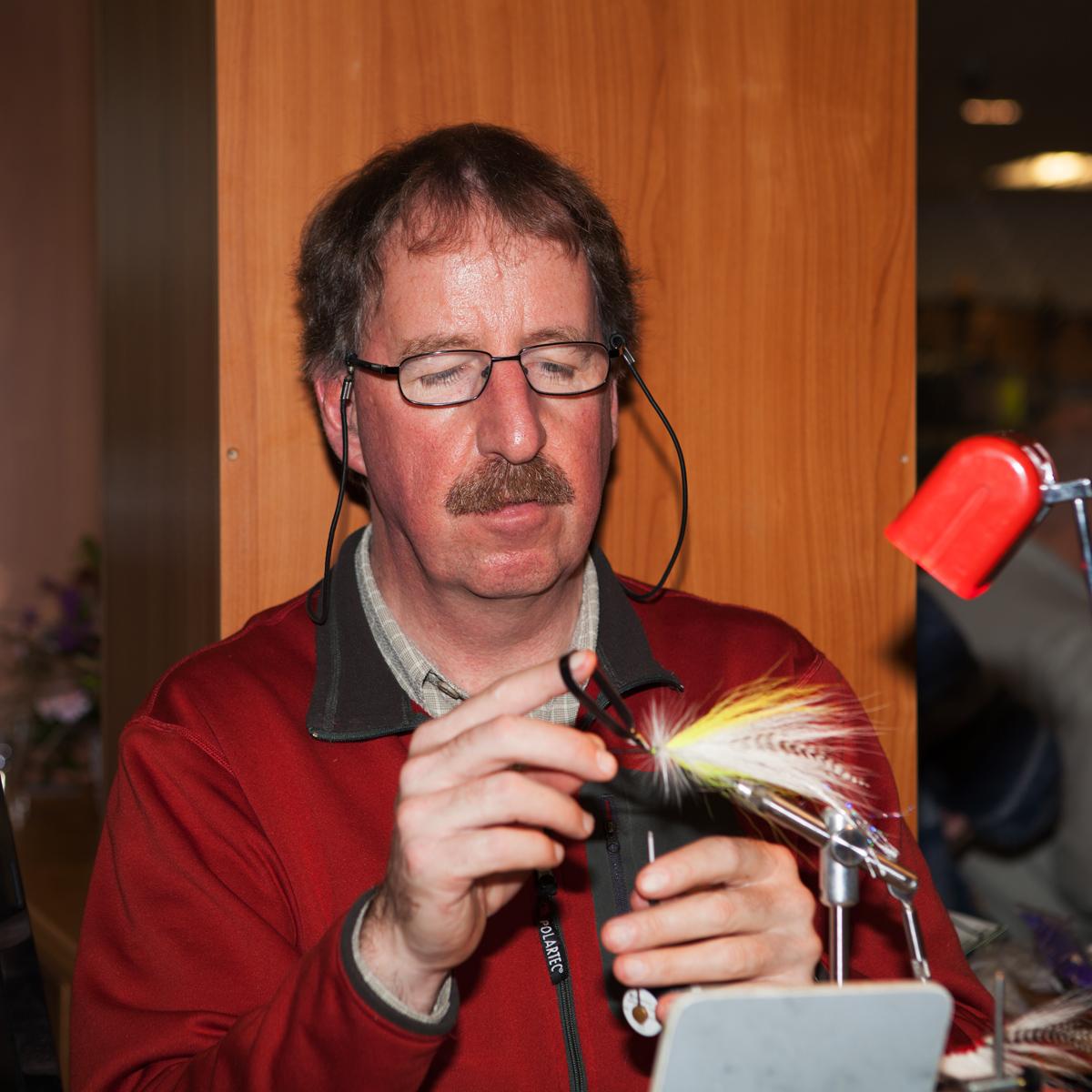 Rudy van Duijnhoven bindet Hechtstreamer