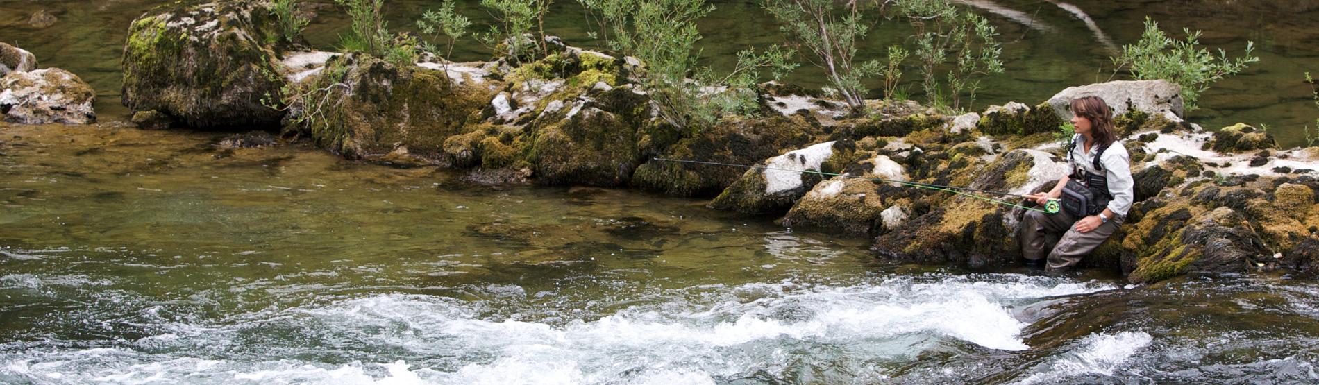 Pause beim Fliegenfischen in Slowenien