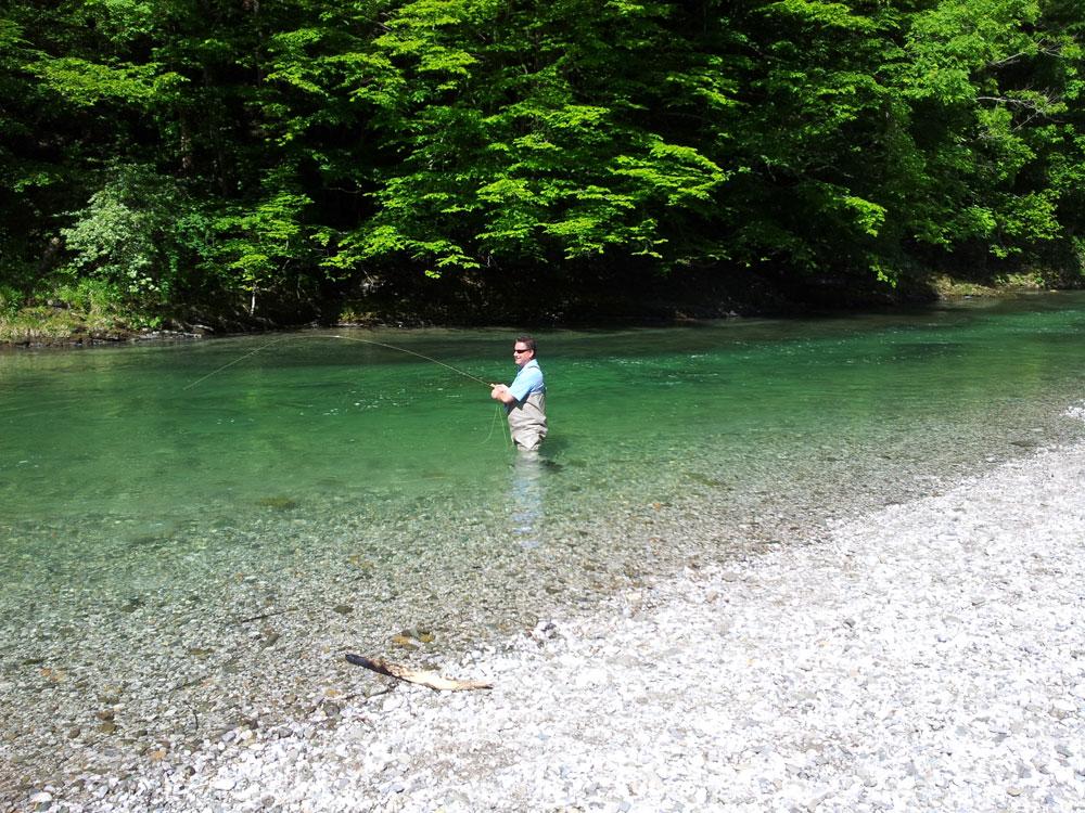 Äsche fangen im Slowenien