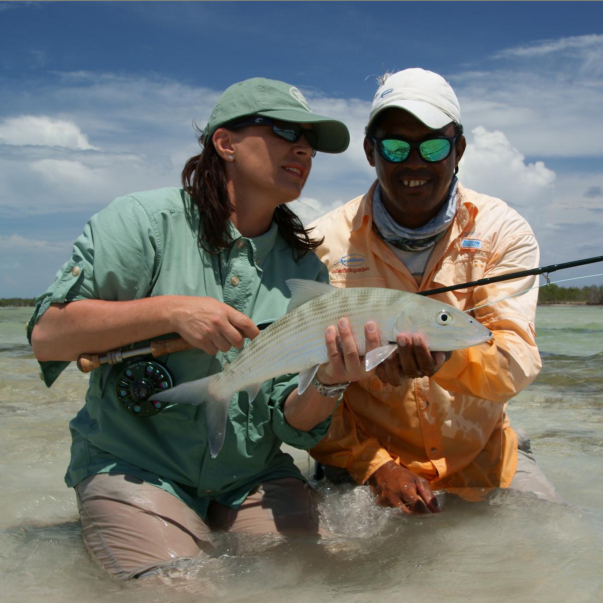Mirjana Pavlic beim Fliegenfischen auf Bonefish