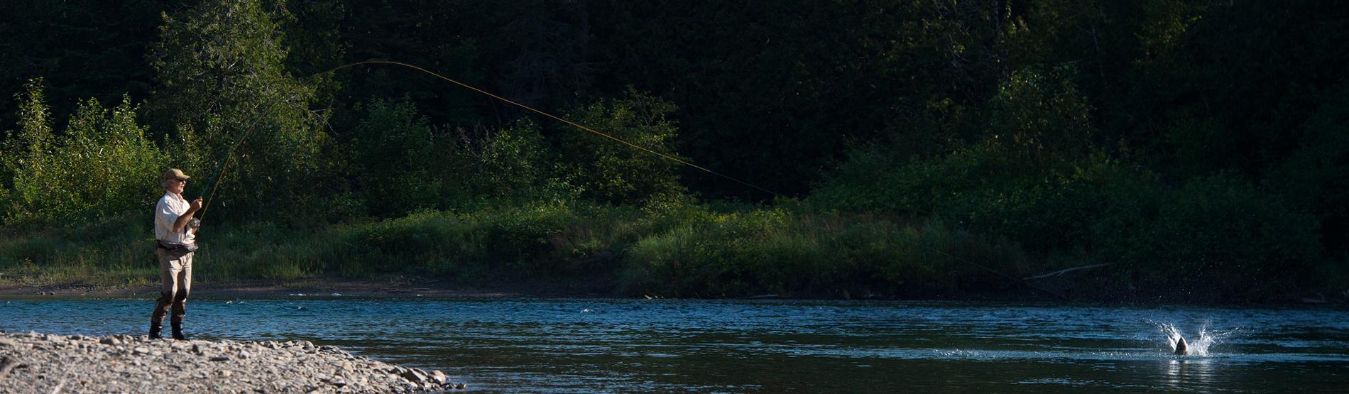 Henrik Mortensen beim Fliegenfischen